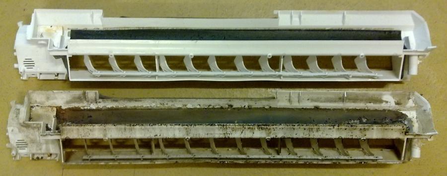 Két split klíma kondenztálcája, az egyik tisztítás előtt a másik tisztítás után